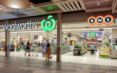 Woolies does the splits